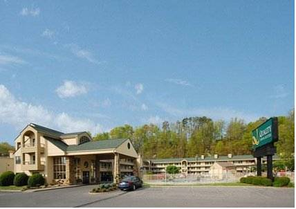 Quality Inn & Suites at Dollywood Lane