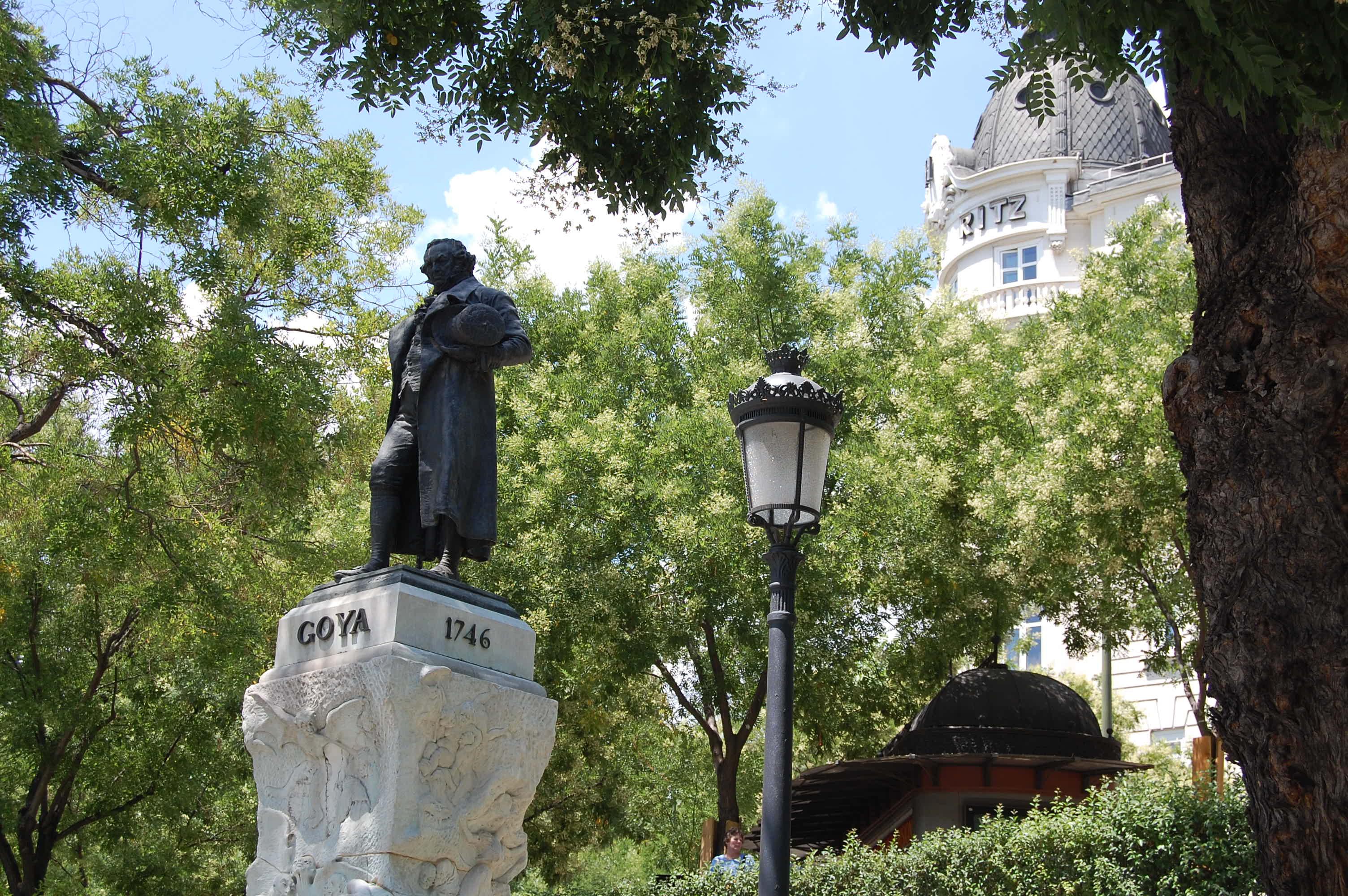 Estatua de Francisco de Goya